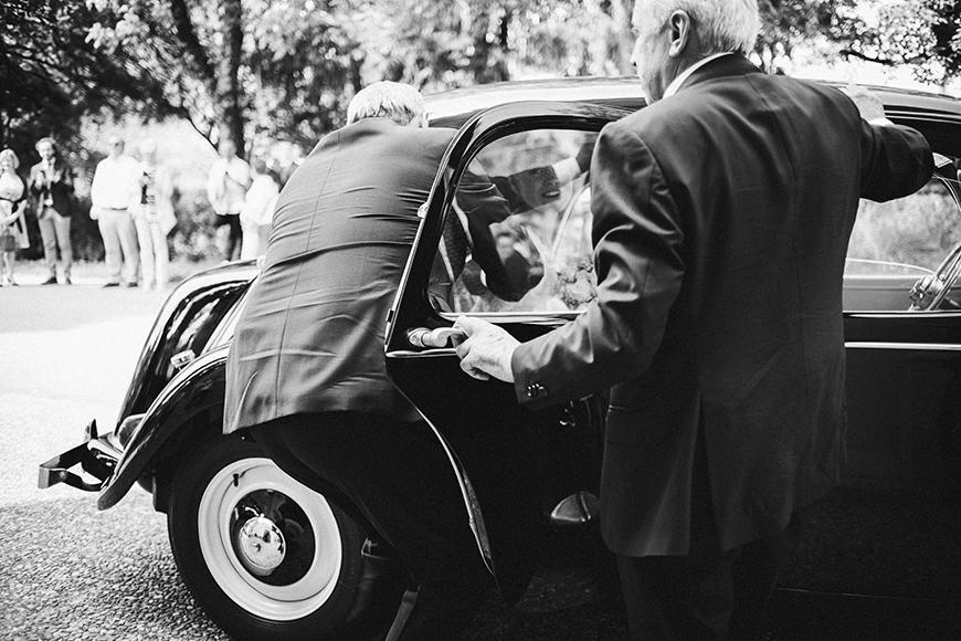 vintage_car_wedding